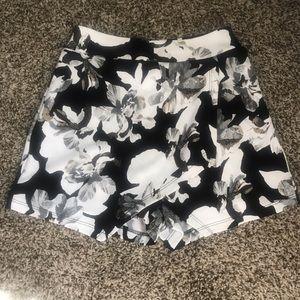 NWOT black floral skort